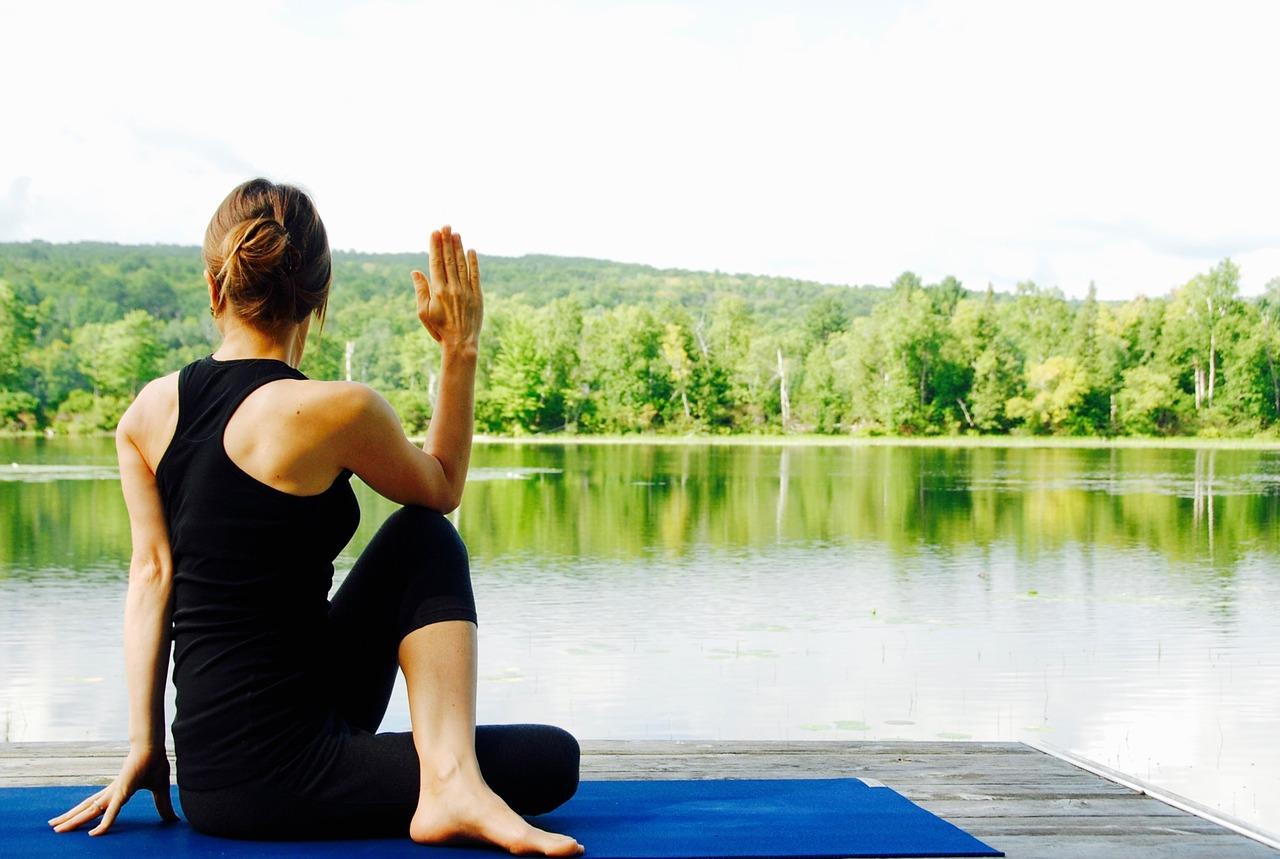 yoga 1812695 1280